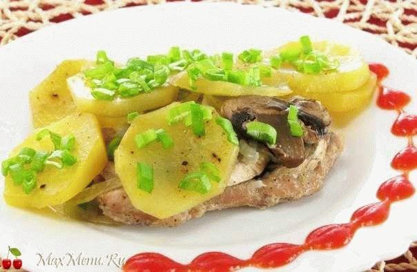 Свинина с грибами и картофелем в фольге