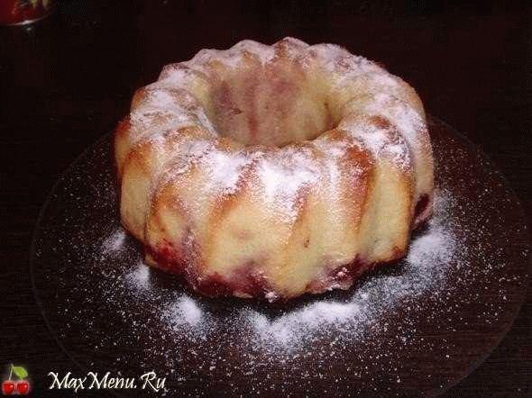 Пирог манник с вишней