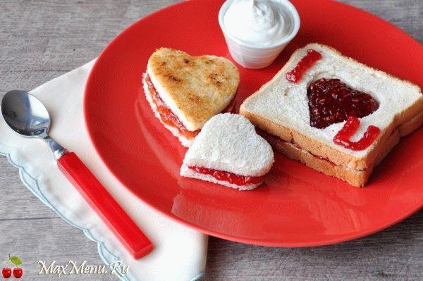 tost-valentinka