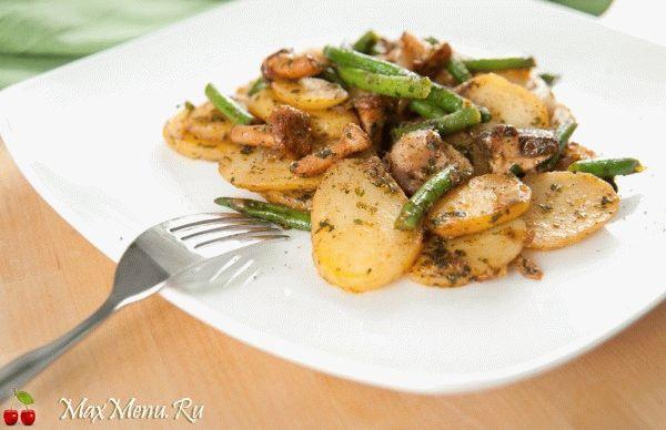 Хрустящий жареный картофель с грибами и фасолью