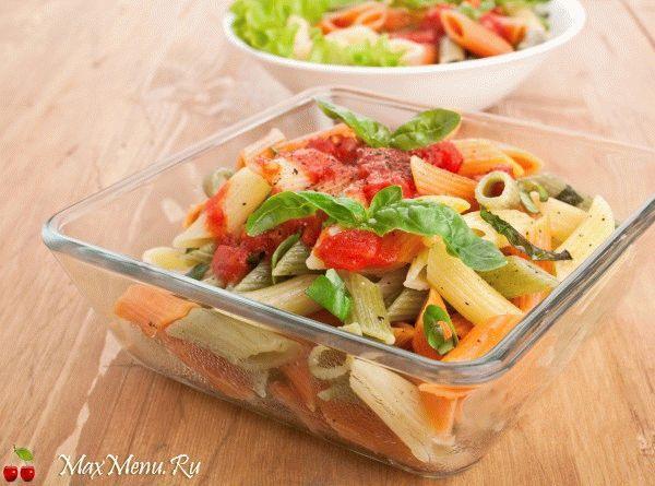 Постные макароны с томатным соусом и итальянскими травами