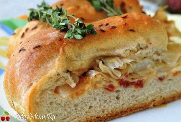 Домашний хлеб с ветчиной и капустой