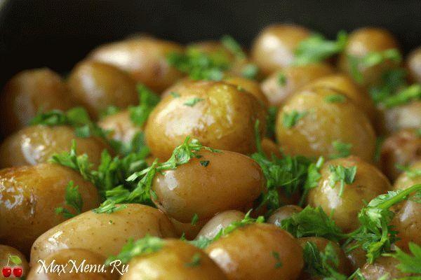 Молодой картофель, жареный в кастрюле