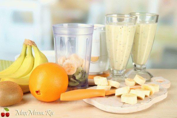 Банановый смузи с киви и апельсином