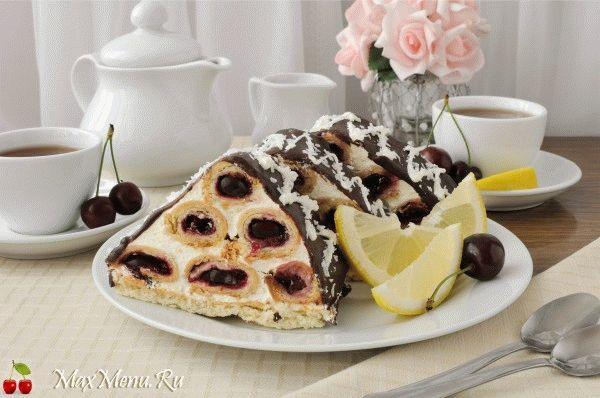 Торт Монастырская изба с шоколадной глазурью
