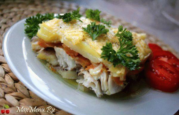 Запеченная рыба с картофелем и сыром