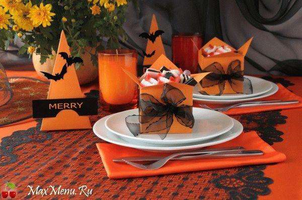 Как украсить стол на Хэллоуин: ТОП-15 идей