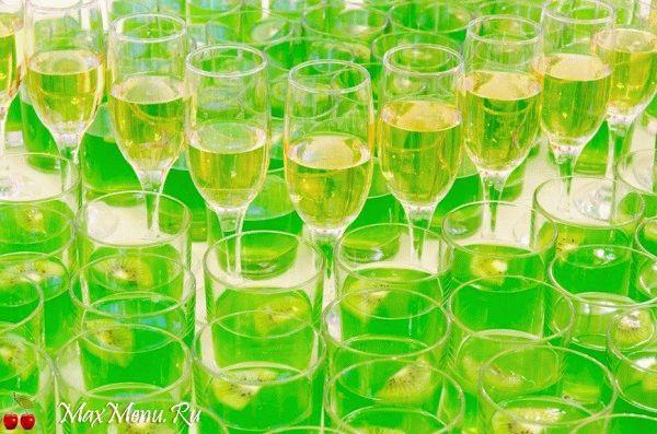 Koktejl'-s-shampanskim-i-kivi