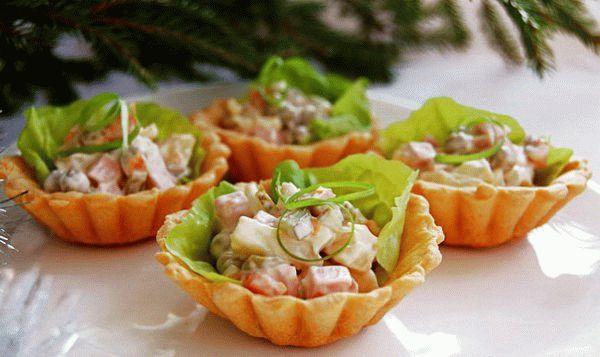 Салат «Оливье» в тарталетках