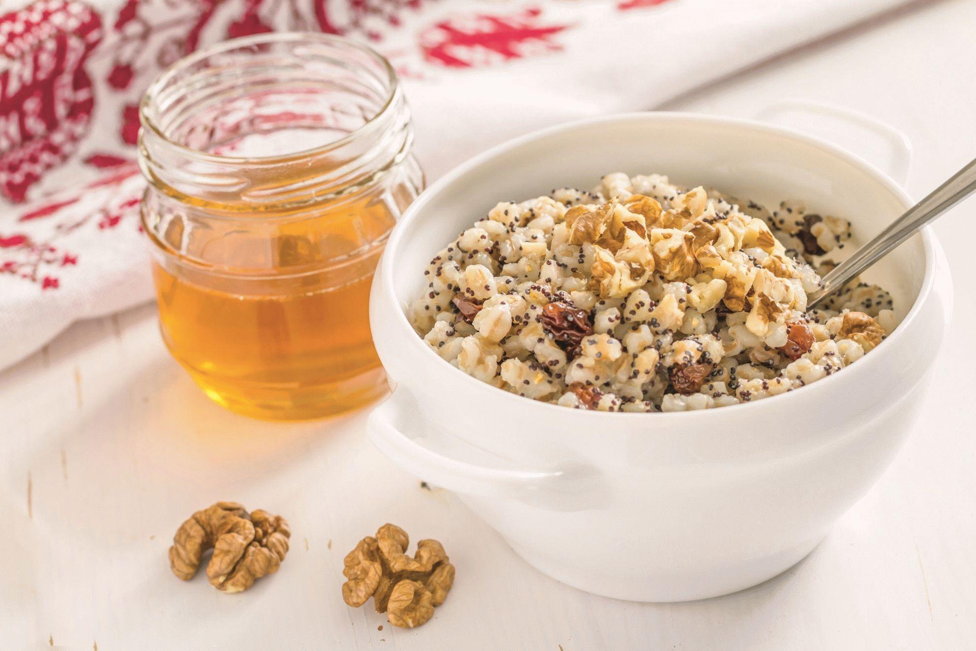 Сырая кутья из пшеницы с медом
