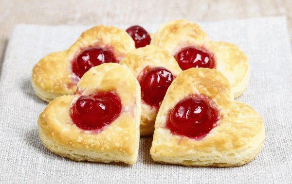 Печенье на День Валентина с вишней
