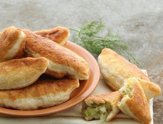 Рецепт жареных пирожков с капустой