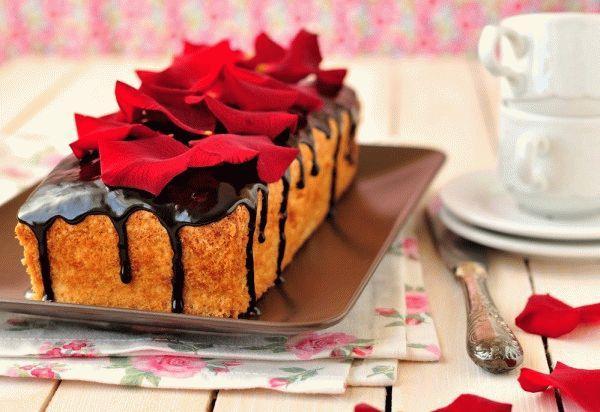 Рецепты на 8 марта: Кекс на белках с глазурью