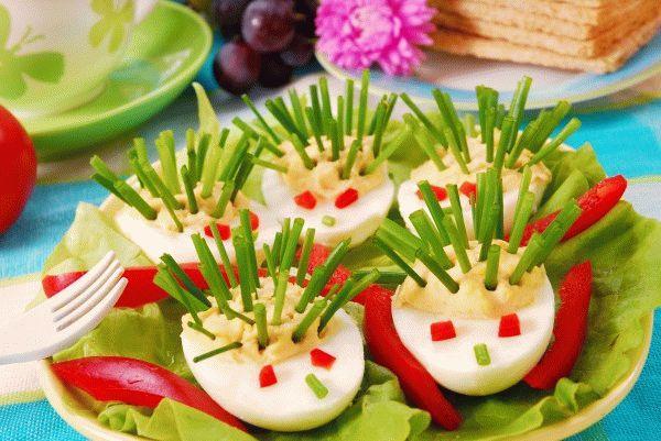 Детская Пасха: Фаршированные яйца-«ежики»