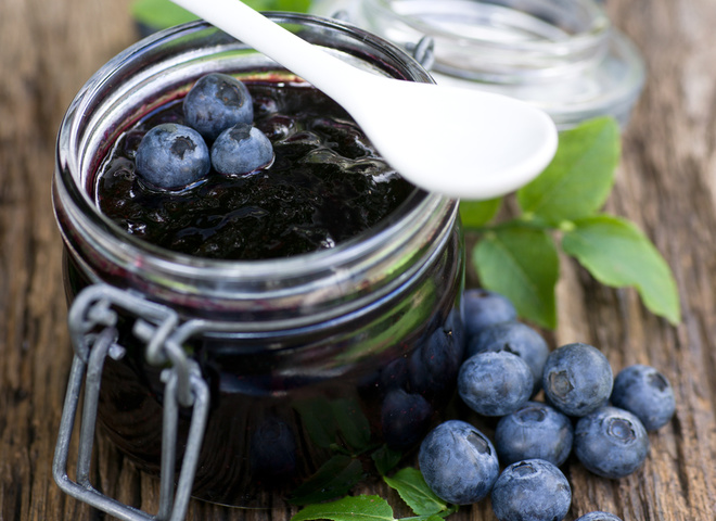 Фото Черника, протертая с сахаром: рецепт, который сохранит все ценные свойства ягод