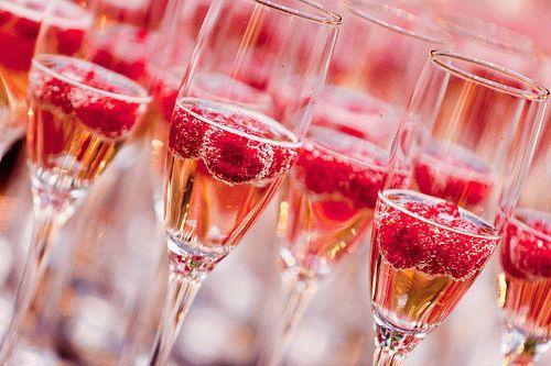 shampanskoe-s-yagodami