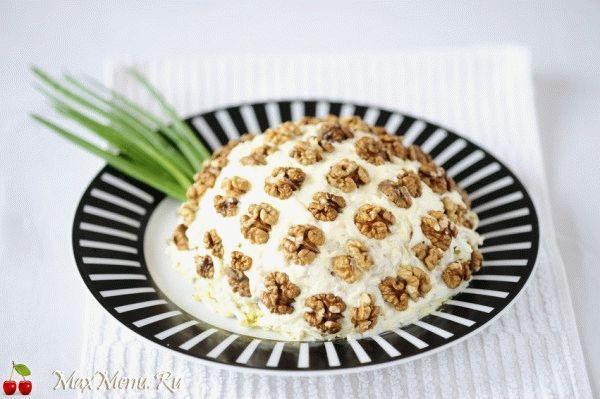 Kurinyj-salat-«Ananas»