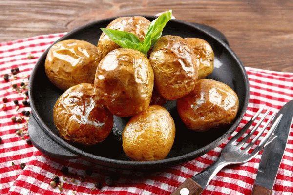 Картошка целиком запеченная в духовке рецепт с пошагово с картошкой
